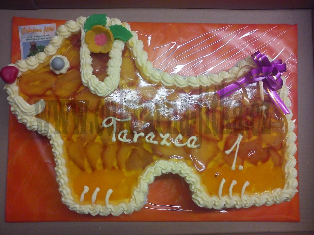 dort ovocný pejsek ,želatina, jahody, broskve, mandarinky