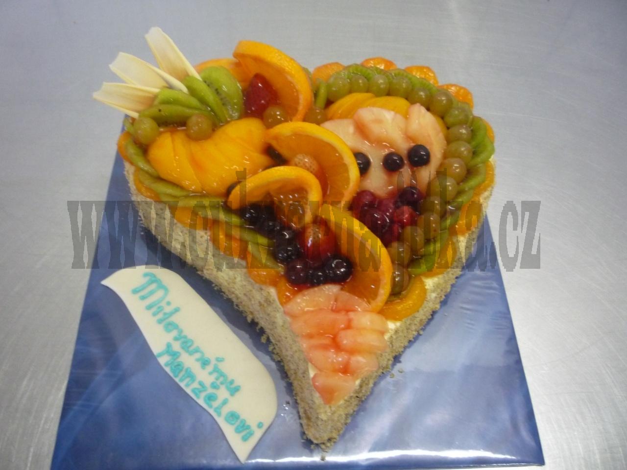 srdce dort  čerstvé ovoce+kompotované v gelu   č.415