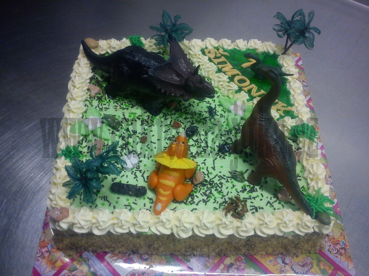 dinosauři prales dort  III. vrch krém, kousek želé,ovoce č.536