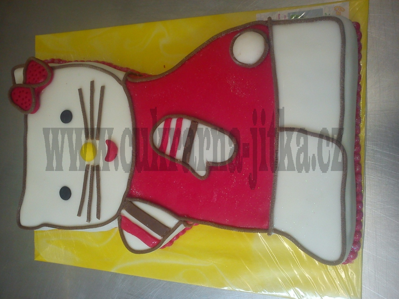 hellou kitty I. - dort červená