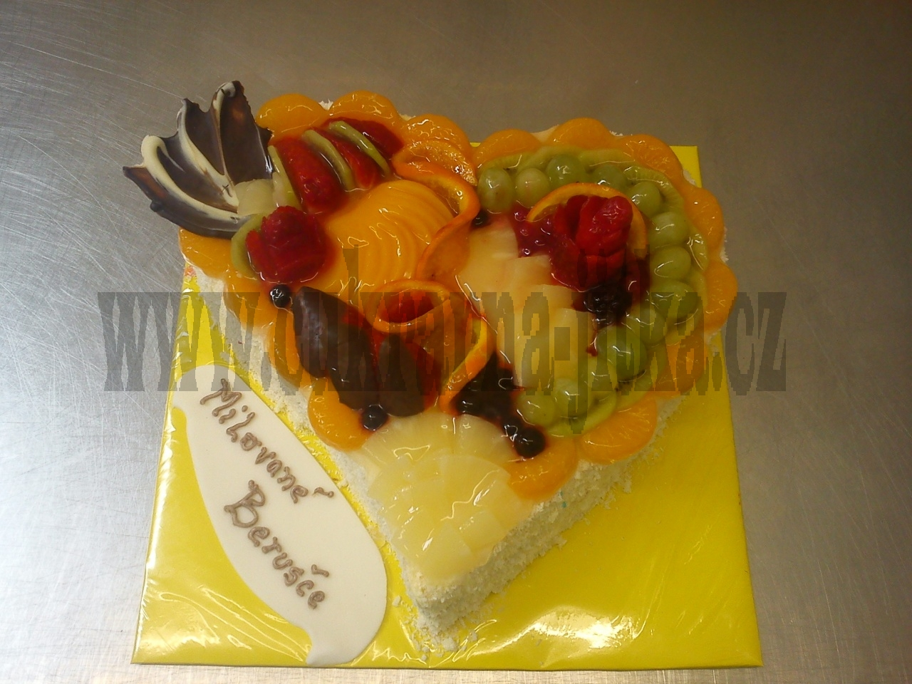 dort srdce čerstvé ovoce,kompotované,gel