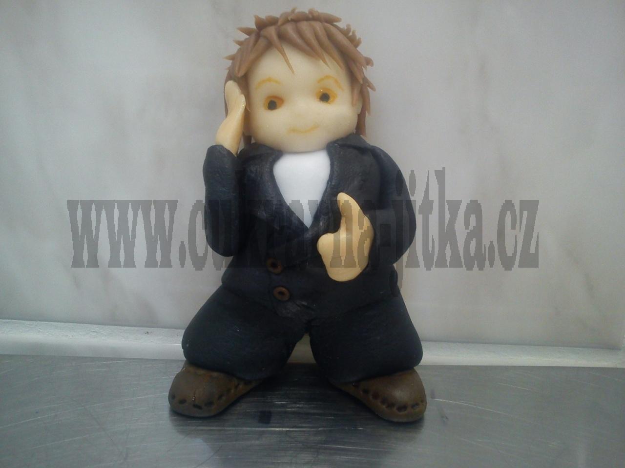figurka marcipánová mladík v kvádru