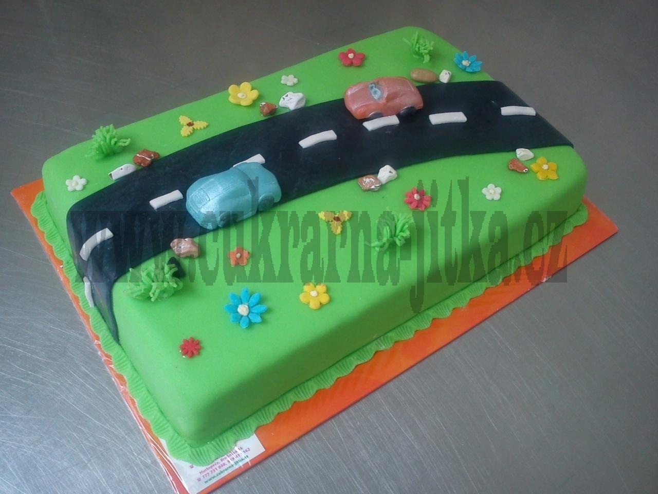 dort obdelník, autíčka na silnici, celý v marcipánu č.551