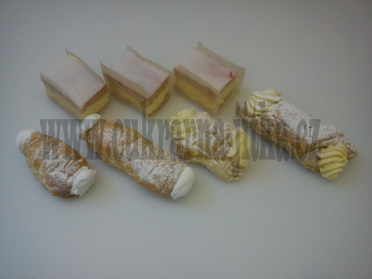 žloutový řez, trubička máslová, šátešek