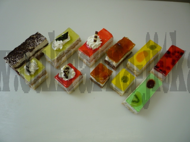 fondové kostky,tiramisu,hruškový,jahodový sen,ruská zmrzlina,fondové kostky žlutá,červená,zelená,