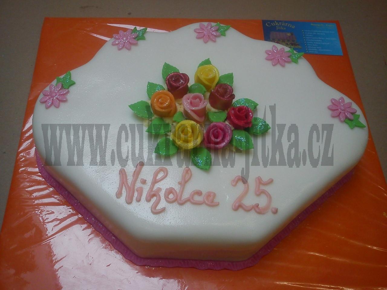 dort vějíř menší v marcipánu růžičky