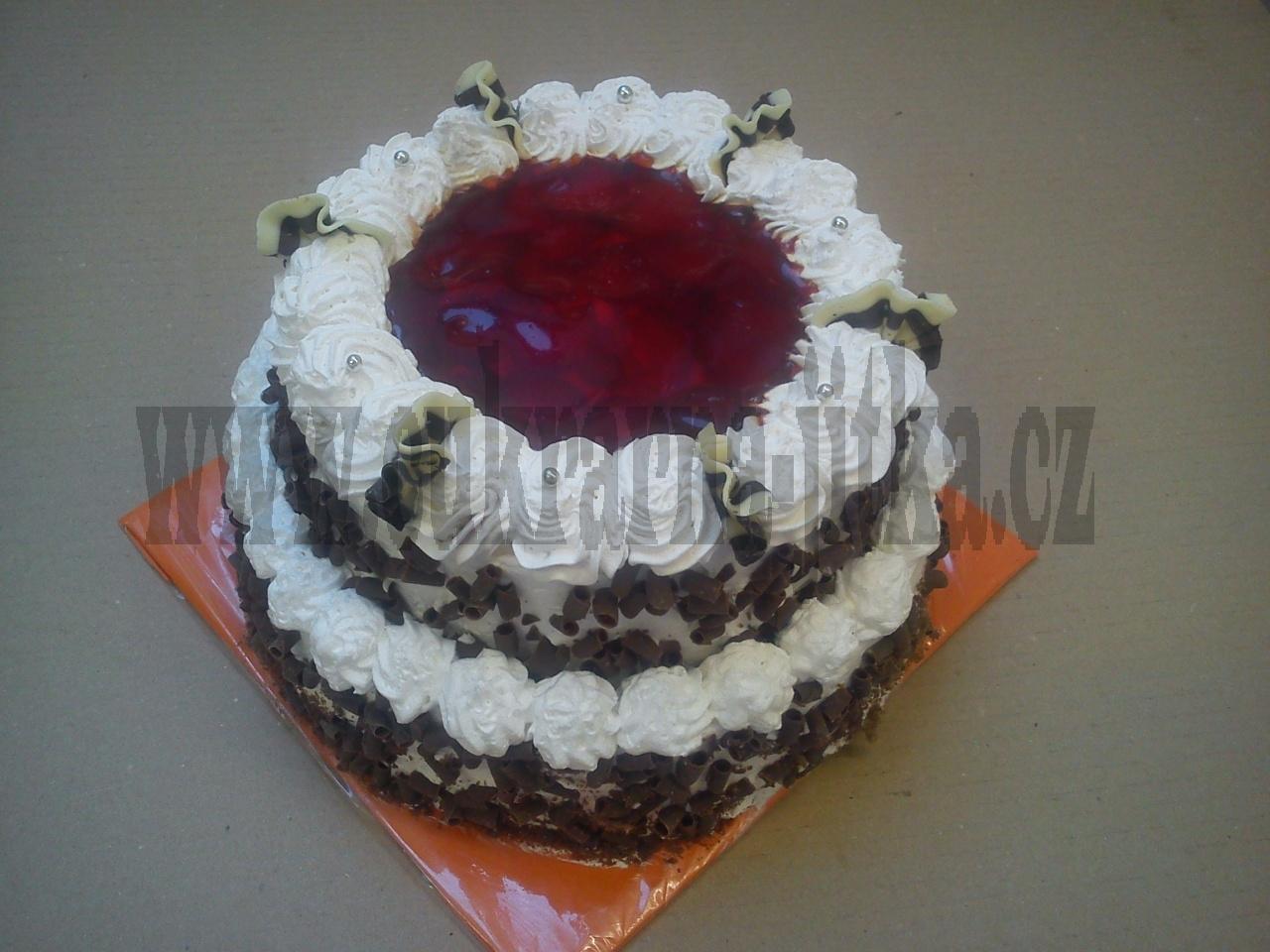 ovocný dort šlehačkový 2 patra vrch želé + jahody bok čokoládové hoblinky   č.651