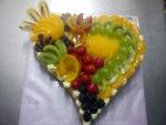 dort srdce vykrojené, ovoce, gel