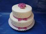 Svatební dvoupatrový mrkvový dort