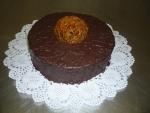dort kulatý celý v čokoládě + ozdoba      č.312