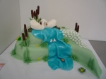 svatební dort labutí jezero  2 patra, slza     č.335