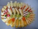 12. obložená mísa sýrová mix se zeleninou