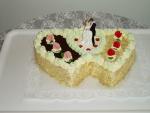 svatební dort dvojsrdce vrch čokoláda,syp.ořech   č.044