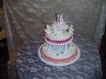 svatební dort kulatý  2 patrový se sloupy   č.163