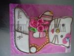 hellou kitty I. - dort velký s velkými růžemi a kytičky   č.442