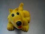 figurka pejsek žlutý