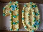 číslice dort - vrch krém posypaný ořechy