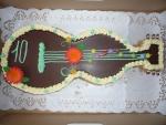 dort kytara  II. vrch  v čokoládě, bok ořech    č.138