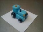 figurka traktor modrý