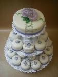 svatební minidortíčky  (Cupcakes) růže s nádechem do fialova, fialový lem č.466