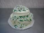 svatební 2 patrový  kulatý bílý dort s kalami č.441