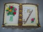 svatební dort kniha otevřená s kyticí  holoubci,prstýnký č.456