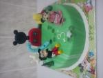 dort větší Mickkeyho klubík Mikimaus a Minie