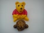 figurka marcipanova medvídek Pů s hrncem medu