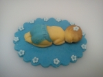 figurka marcipánová mimminko v modrém